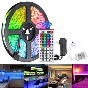 5M 300 LED Waterdichte Strip Light String Lamp 12V 2835 SMD RGB + 24 / 44Keys IR Controller + US Power Adapter